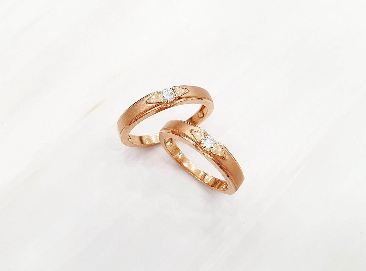 Nhẫn cưới làm từ vàng hồng luôn là một trong những dòng sản phẩm được khách hàng lựa chọn nhiều nhất tại Kim Phát Hiệp Thành Jewelry .