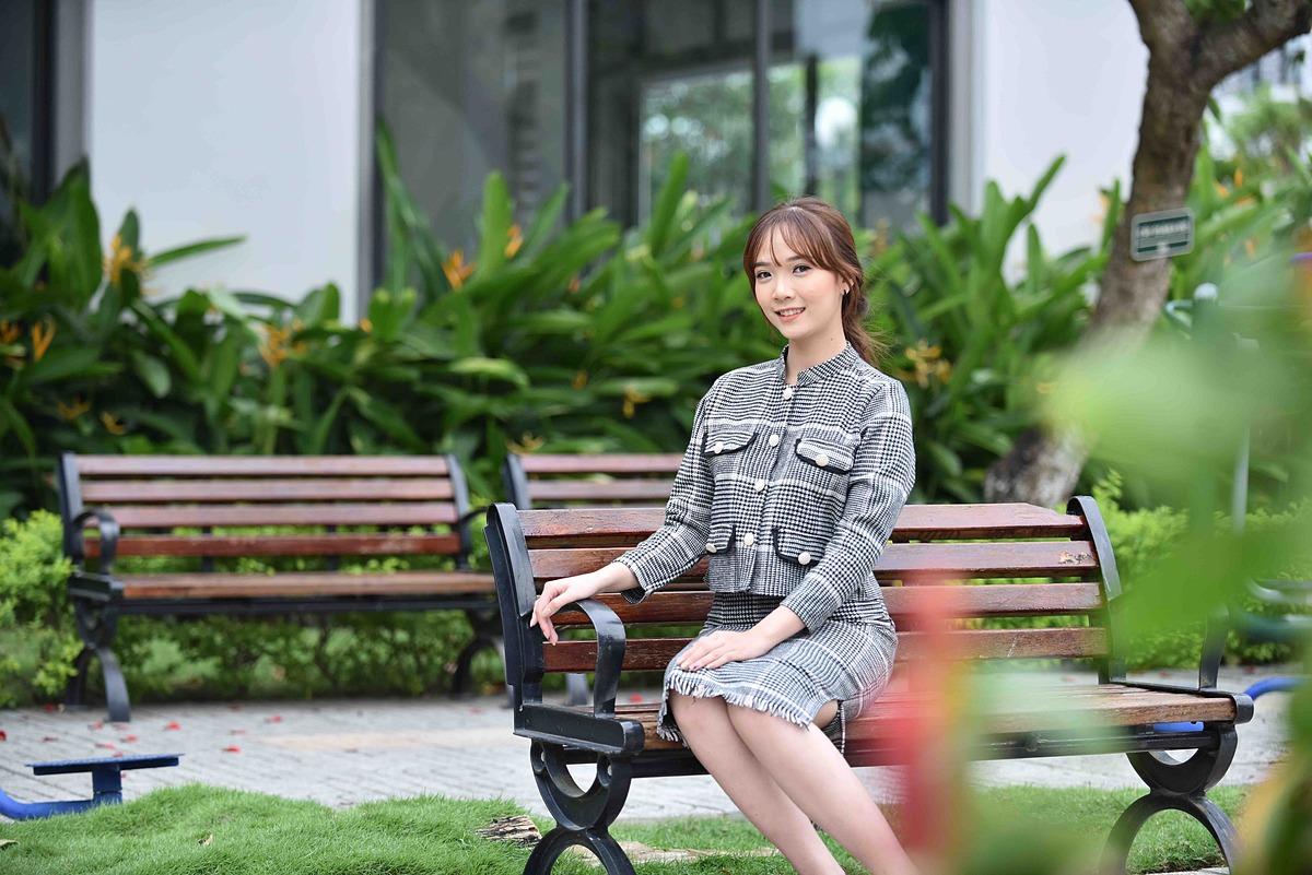 Loan Fashion ra mắt năm 2017 tại thành phố Cần Thơ với những mẫu trang phục chất lượng cùng mức giá tầm trung. Trong tương lai, thương hiệu hướng tới mục tiêu đến gần hơn với phái đẹp cả nước.