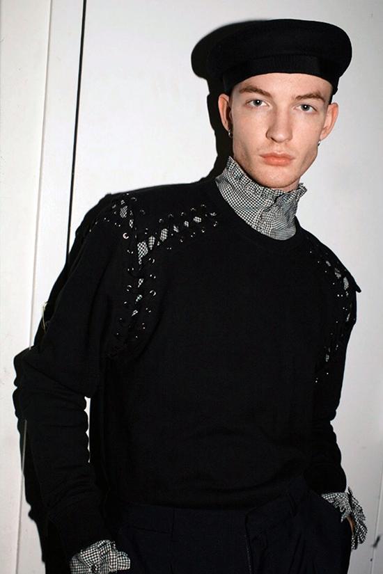 Người mẫu Owen Mooney không ngại lên tiếng tố cáo hành vi của Alexander Wang.