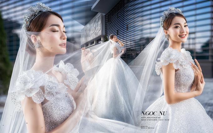 Váy cưới hàng thửa thừa có giá từ vài chục triệu đồng tới hàng trăm triệu đồng.