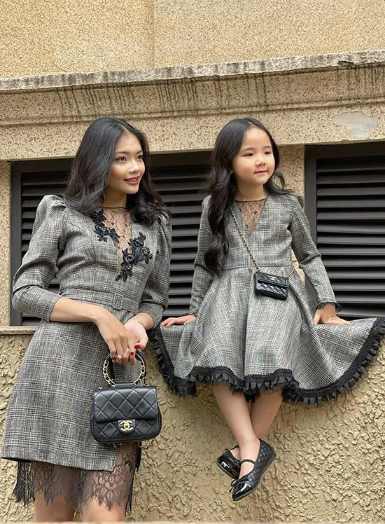 Cháu ruột và con gái Trang Nhung là cảm hứng để nữ diễn viên sáng tạo những bộ trang phục thanh lịch dành cho phụ nữ và trẻ em.