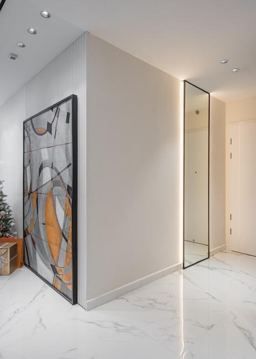 KTS đã sử dụng các đường nét, khối vuông để tạo sự hiện đại cho không gian sống của vợ chồng trẻ.