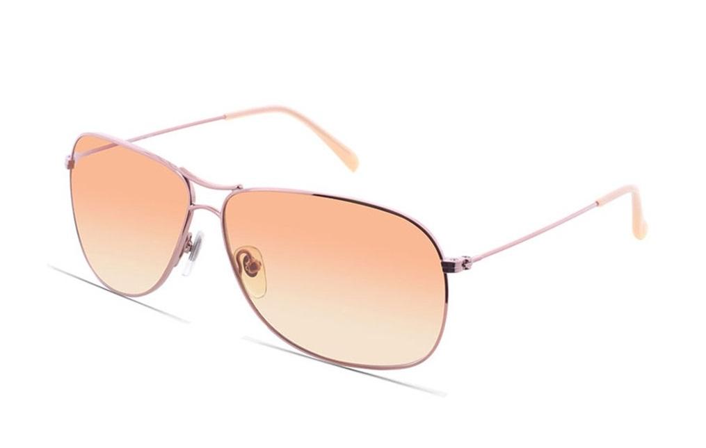 Kính mát Esprit ET13102 535 60 màu sắc nhẹ dịu với dáng tròng bo cong cá tính, giúp gương mặt hài hòa. Đường viền đậm quanh mắt kính tạo sự nổi bật. Gọng kính được gia công tỉ mỉ, hạn chế trầy xước, không để lại vết hằn trên da dù đeo trong một thời gian dài.