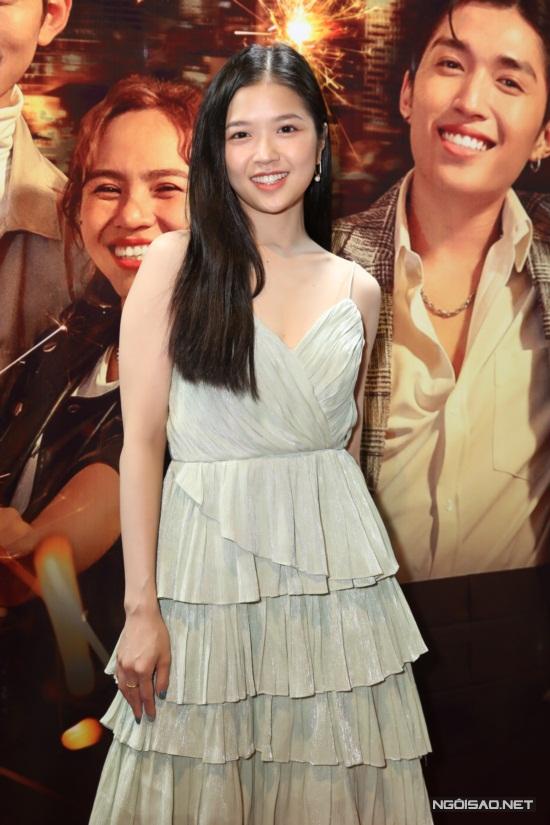 Suni Hạ Linh theo đuổi phong cách nhẹ nhàng.