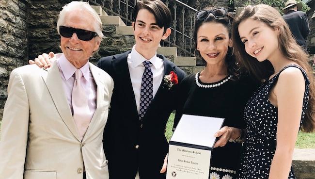 Gia đình hạnh phúc của Michael Dogulas.
