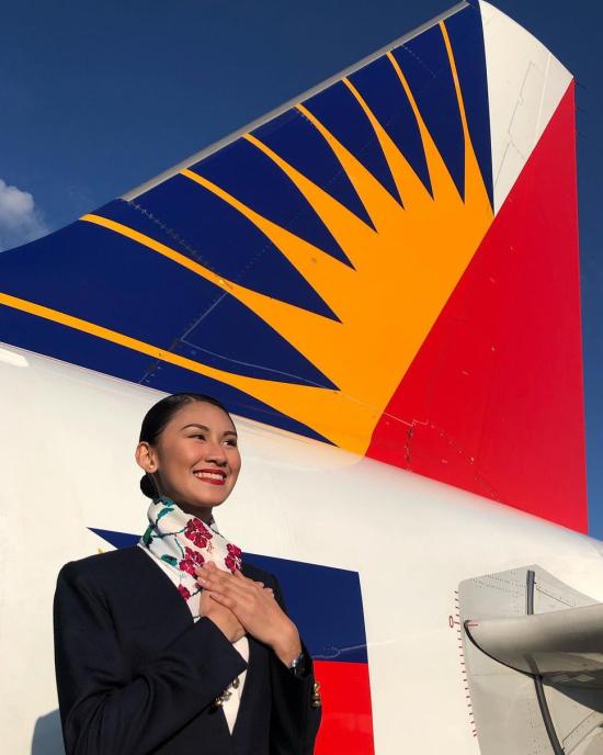 Mới bắt đầu công việc tiếp viên hàng không từ tháng 5/2019, tức là chưa đầy một năm trước khi đại dịch Covid-19 diễn ra, nên Christine chưa có nhiều cơ hội bay nhiều chuyến quốc tế, trong đó chuyến đầu tiên là tới Hàng Châu (Trung Quốc). Cô nàng chủ yếu bay trên các chuyến nội địa Philippines. Người đẹp tốt nghiệp chuyên ngành truyền thông thường xuyên chia sẻ tình yêu nghề, yêu những chuyến bay và khoảnh khắc hạnh phúc bên đồng nghiệp. Đây cũng là nghề mơ ước của Christine từ nhỏ vì cô luôn muốn được du lịch khắp nơi.