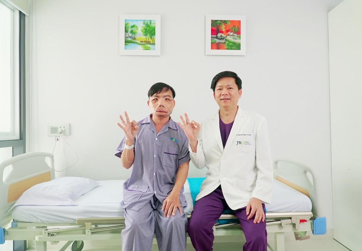 Bác sĩ Tú Dung hạnh phúc khi bệnh nhân Mến có diện mạo mới đón Tết