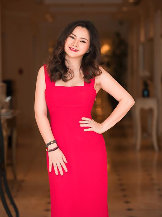 Hà Miên tại buổi ra mắt album Romance in Hanoi.