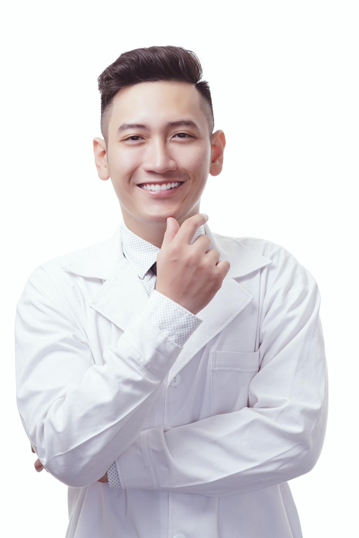 Bác sĩ Khánh Anh có nhiều năm kinh nghiệm trong lĩnh vực nha khoa.