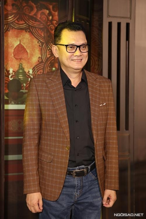 NSƯT Hữu Châu đóng vai Bá Kiến.