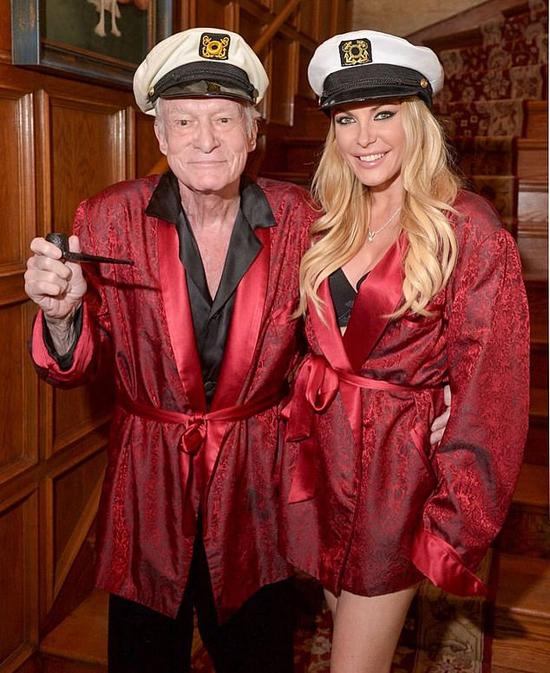 Crystal và tổng biên tập Playboy, Hugh Hefner.
