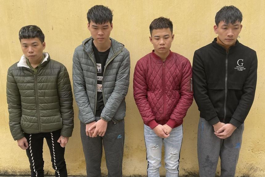 Đỗ Xuân Quang, Đỗ Đức Trung, Đỗ Ngọc Trung và Phạm Trung Anh (từ trái qua phải).