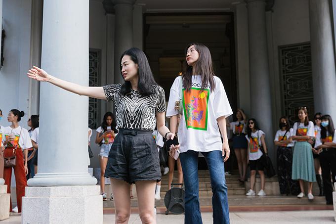 Đảm nhận vai trò đạo diễn catwalk cho show diễn ngày 10/1 này là Thanh Trúc Trương (trái).