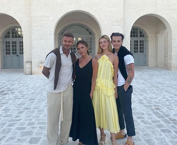 Vợ chồng Becks bên cậu cả Brooklyn và con dâu tương lai Nicola Peltz. Ảnh: Instagram.