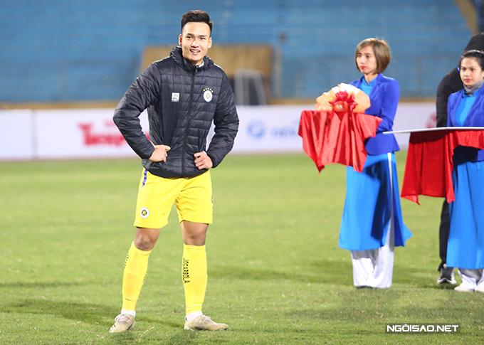 Bùi Hoàng Việt Anh nhận phần thưởng 10 triệu đồng khi ghi bàn thắng duy nhất giúp CLB Hà Nội đánh bại đối thủ. Bên cạnh đó, anh cũng nhận được 10 triệu khác khi được bầu là cầu thủ hay nhất trận.