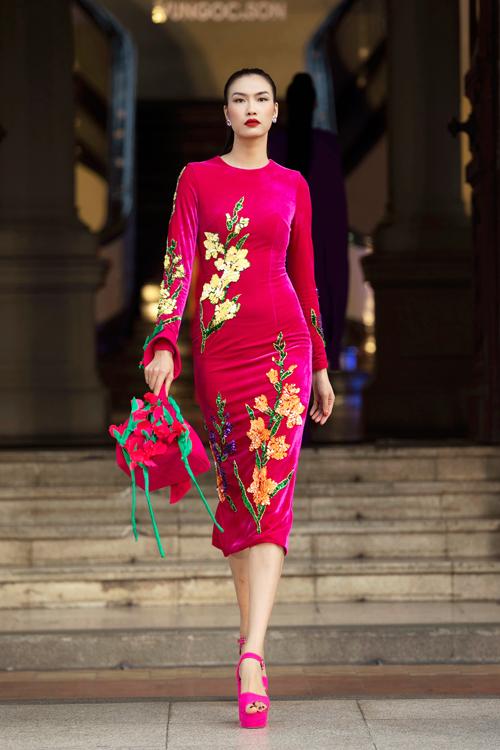 Hai nhà mốt mang đến các thiết váy xuân hè như bodycon, váy hạ eo, váy suông, váy tùng xòe cho mùa xuân mừng năm mới.