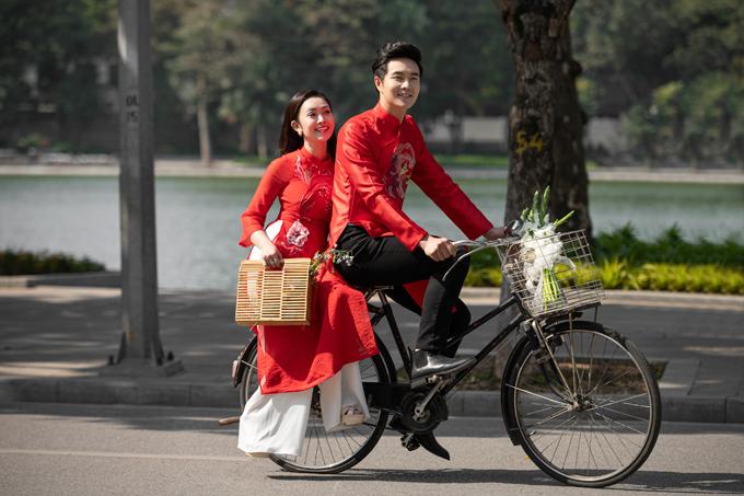 Hôm nay (1/11), hôn lễ của diễn viên Đức Hiếu và MC Thùy Linh sẽ được tổ chức tại Hà Nội. Trước đó vài ngày, cả hai đã thực hiện một bộ ảnh để lưu lại dấu mốc quan trọng của cuộc đời cũng những thể hiện tình yêu với Thủ đô ngàn năm văn hiến.
