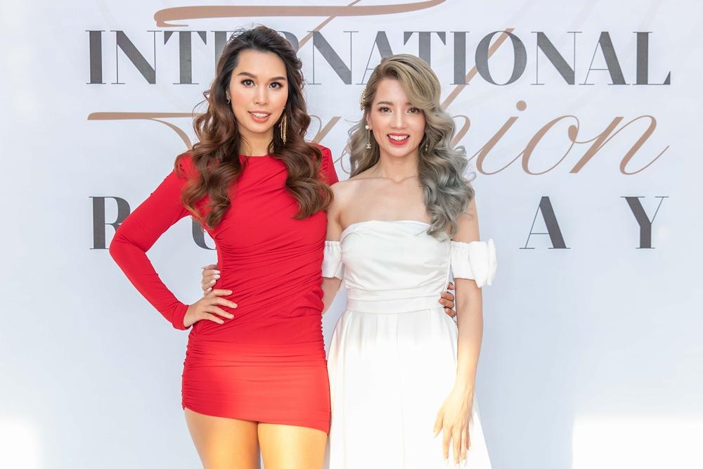 Hà Anh chúc mừng học trò cũ có bước ngoặt mới trong sự nghiệp. Tại Next Top Model 2010, Hà Anh đảm nhận vai trò host, trong khi Maya là thí sinh thấp nhất cuộc thi.