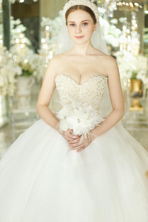Những chiếc váy quây xòe bồng luôn là lựa chọn hàng đầu vì dễ dàng phù hợp với mọi vóc dáng. Đây cũng là kiểu váy có thể biến tấu với nhiều phong cách.