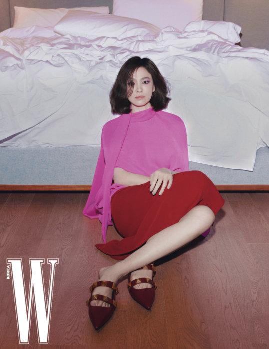 Song Hye Kyo cho rằng 2020 là năm mà cô sống bản lĩnh hơn, ít sân si hơn.