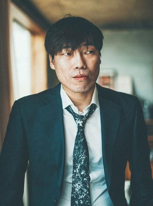 Nam diễn viên Bae Jin Woong.