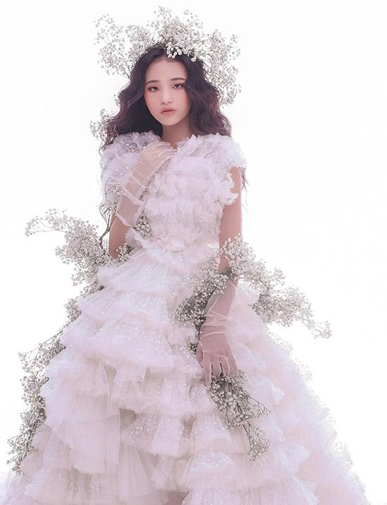 Váy xếp tầng cổ điển được nhiều cô gái ưa chuộng khi lựa chọn trang phục cho các buổi tiệc trang trọng.