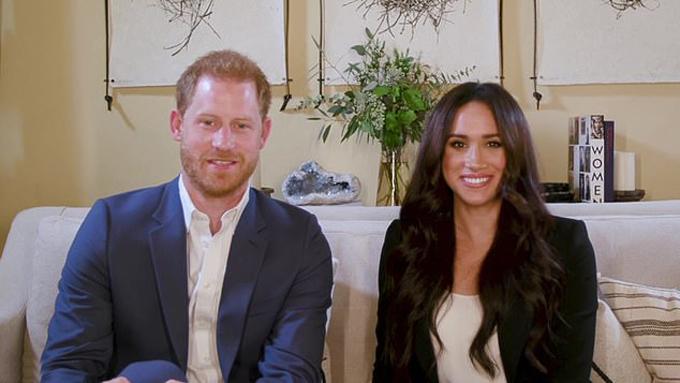 Vợ chồng Harry - Meghan ở nhà mới tại Montecito, California, Mỹ. Ảnh: AP.