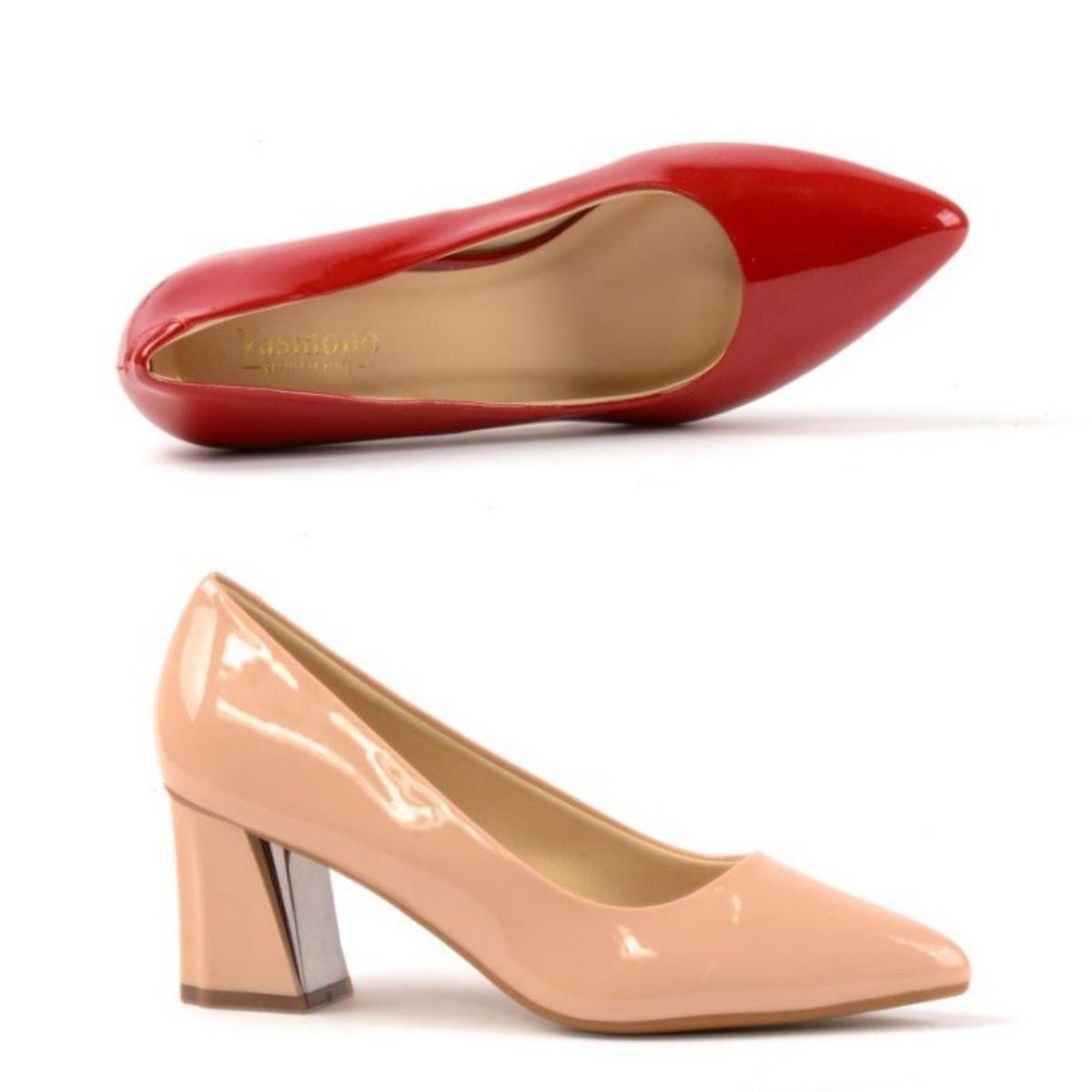 Giày cao gót 5 cm đế vuông Vasmono 074 với ba màu đen, đỏ và hồng nude, chị em có thể phối cùng những kiểu đầm cùng màu hoặc màu trang nhã như trắng, đen, một ít họa tiết hoa... Chất liệu da bóng sang trọng, dễ vệ sinh, lót giày mềm. Sản phẩm có cùng mức giá 299.000 đồng.