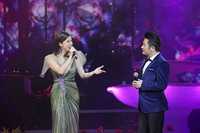 Thu Phương và Bằng Kiều song ca Hoa xuân cho em của Tăng Nhật Tuệ.