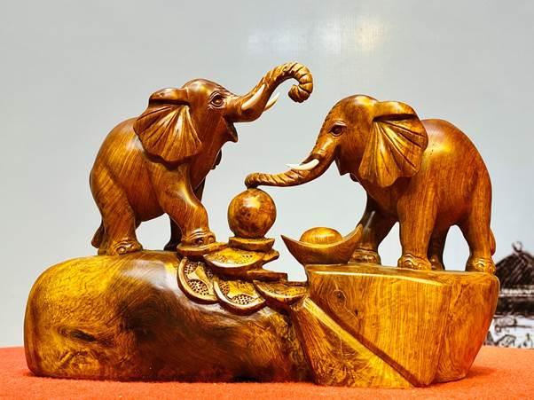 Một số sản phẩm phong thủy được sử dụng với ý nghĩa phong thuỷ và tâm linh. Đây cũng được coi là một phong tục đẹp của người phương Đông.