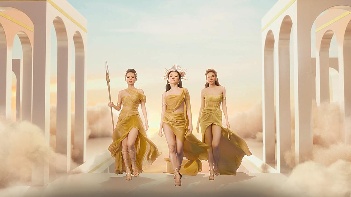 Angela Phương Trinh, Tú Anh, Khánh Linh tạo hình mạnh mẽ và quyết tâm của một nữ thần dũng cảm trong iTVC.