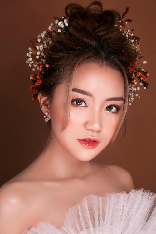 Bộ ảnh được thực hiện bởi makeup: Trang Sun Makeup Academy, làm tóc: Vương Ngọc Diệp, nhiếp ảnh: Thuyj Do.