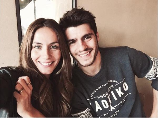 Tiền đạo Alvaro Morata có người chị gái làm người mẫu là Marta Abril.