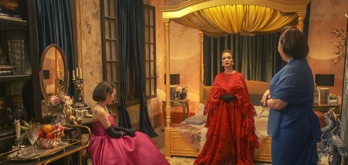 Ba nữ chính trong không gian phòng của Lý Lệ Hà.
