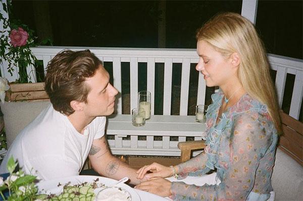 Cậu cả nhà Becks và người đẹp Mỹ quấn quýt bên nhau suốt năm qua. Ảnh: Instagram.