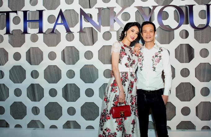 Hoa hậu Hà Kiều Anh mặc váy hoa thanh lịch đến ủng hộ Hoàng Hải.