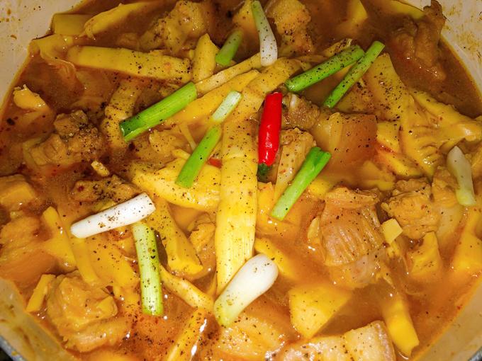 Thịt kho măng và nước dừa - 2