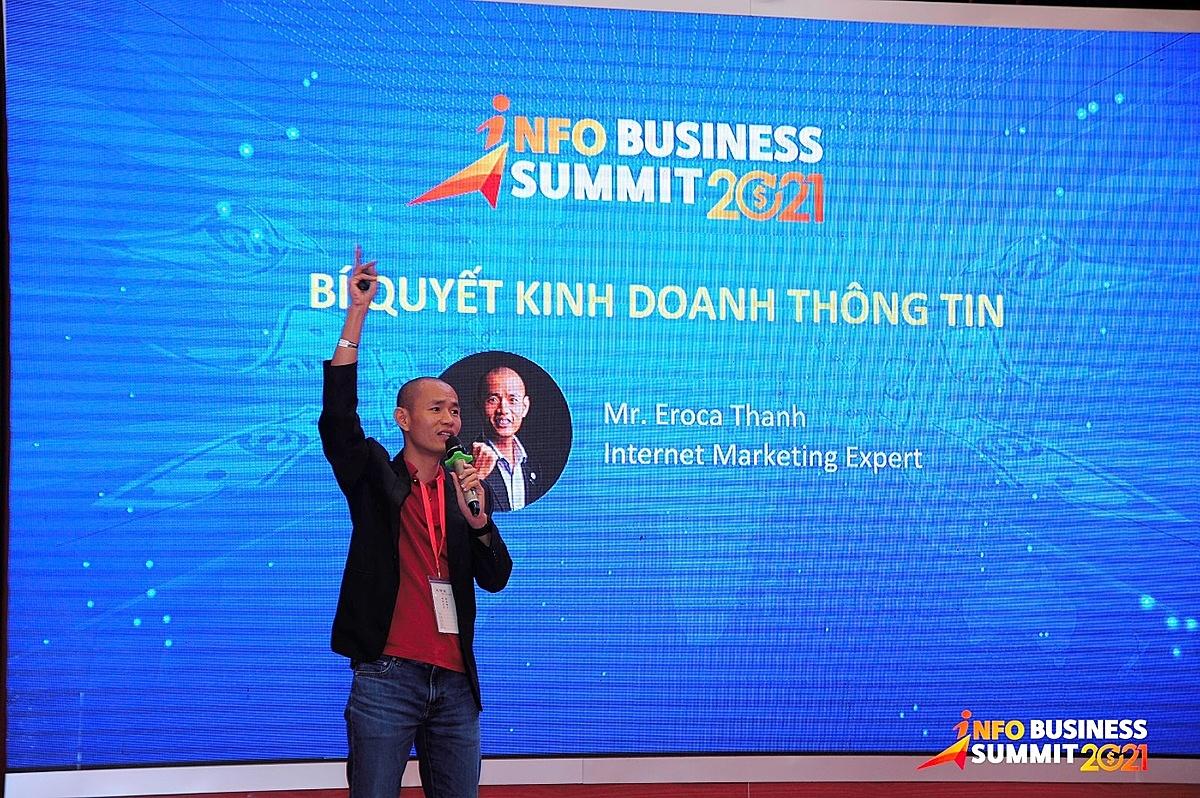 Anh Nguyễn Văn Thanh trong một buổi giảng dạy.