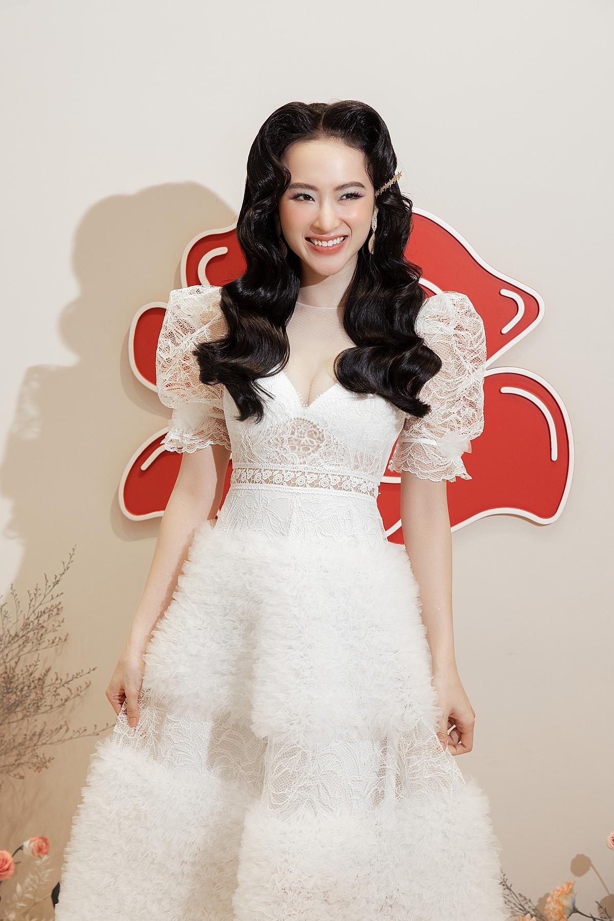 Angela Phương Trinh diện thiết kế mới của Cindy C.