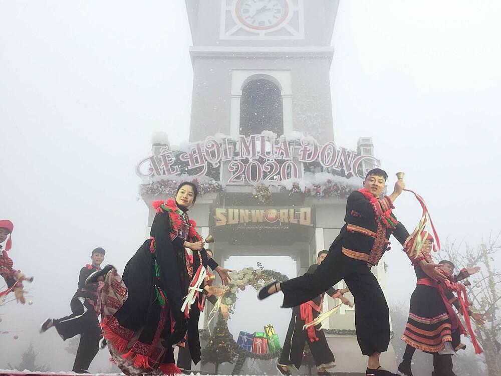 Khám phá lễ hội mùa đông tuyết phủ trên Nóc nhà Đông Dương (xin edit) - 14