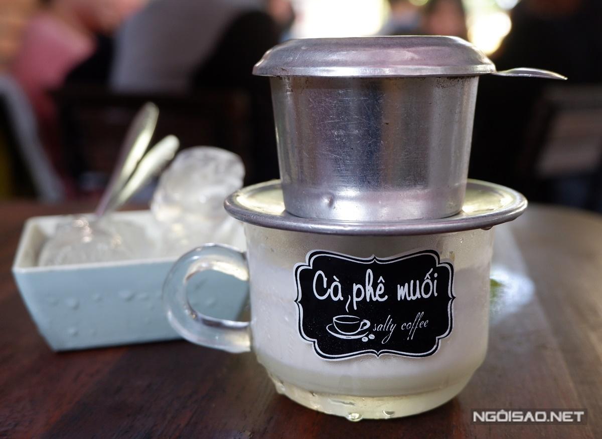 Cà phê muối độc lạ ở Huế