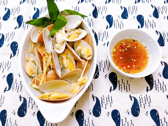 9 món nấu nước dừa thơm ngọt - 3