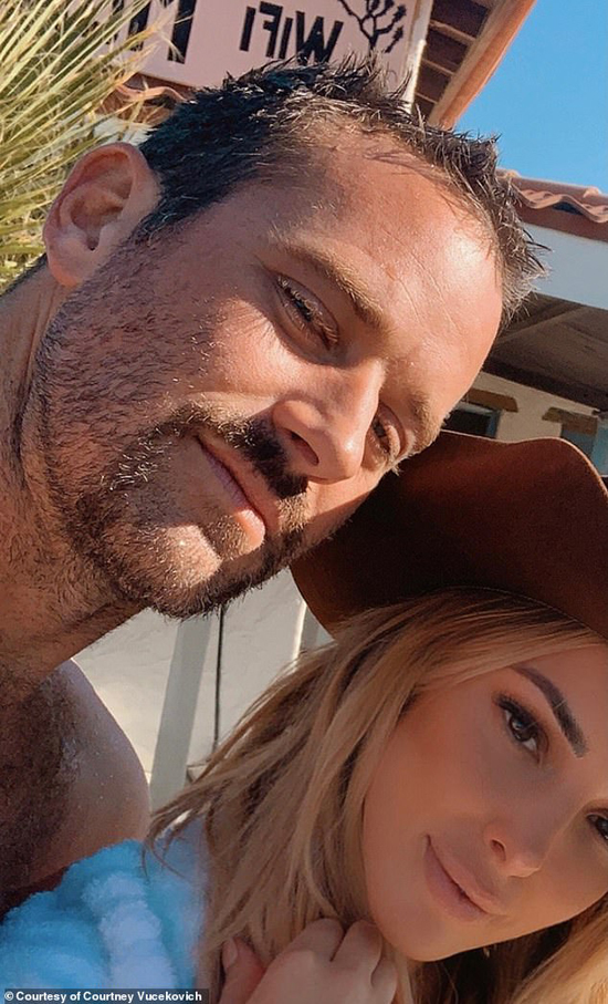 Courtney Vucekovich cũng chia sẻ những trải nghiệm kinh hoàng khi ở hẹn hò Armie Hammer.
