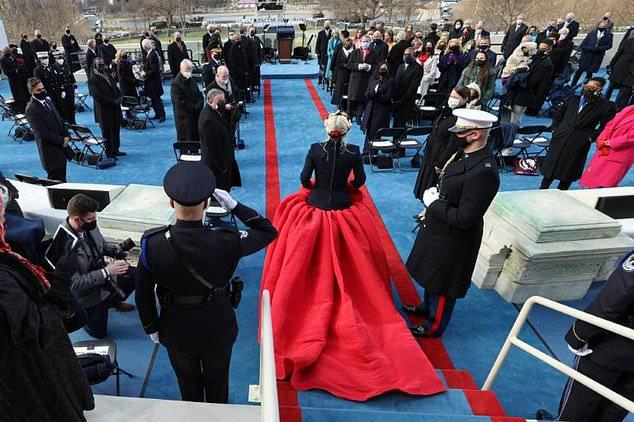 Gaga được tổng thống Joe Biden mời hát quốc ca sau những trợ giúp hết mình của cô trong chiến dịch tranh cử của ông vào năm ngoái.