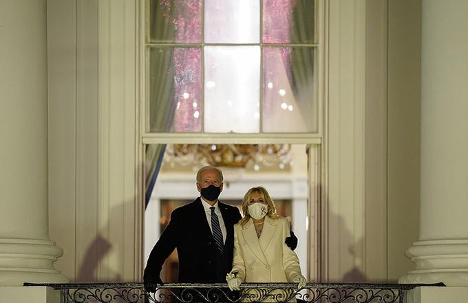Gia đình Biden xem bắn pháo hoa mừng lễ nhậm chức - 6