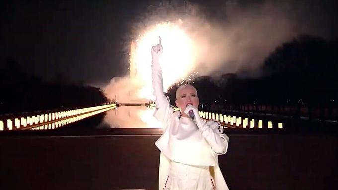 Gia đình Biden xem bắn pháo hoa mừng lễ nhậm chức - 16