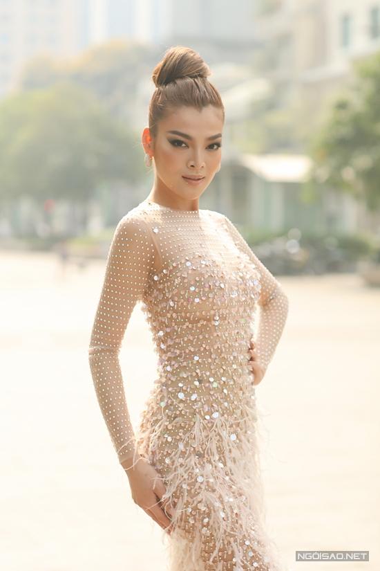 Hoa hậu Trân Đài:  - 14