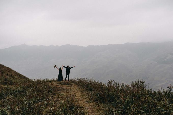 Cả hai đã có nhiều trải nghiệm thú vị khi thăm thú nhiều cung đường đẹp, ngắm nhìn đất trời Tà Xùa.