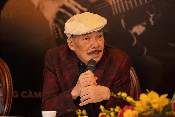 Nhạc sĩ Trần Tiến tại họp báo sáng 22/1.
