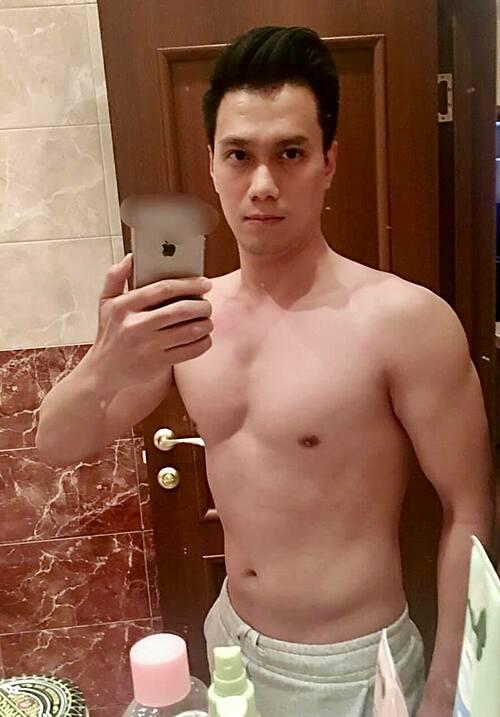 Diễn viên Việt Anh bán nude khoe body sau 3 tháng giảm cân thành công.